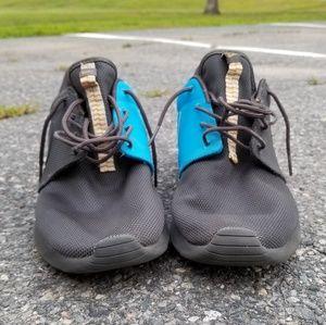 Men's Nike Roshe Run Sneakers (2014)